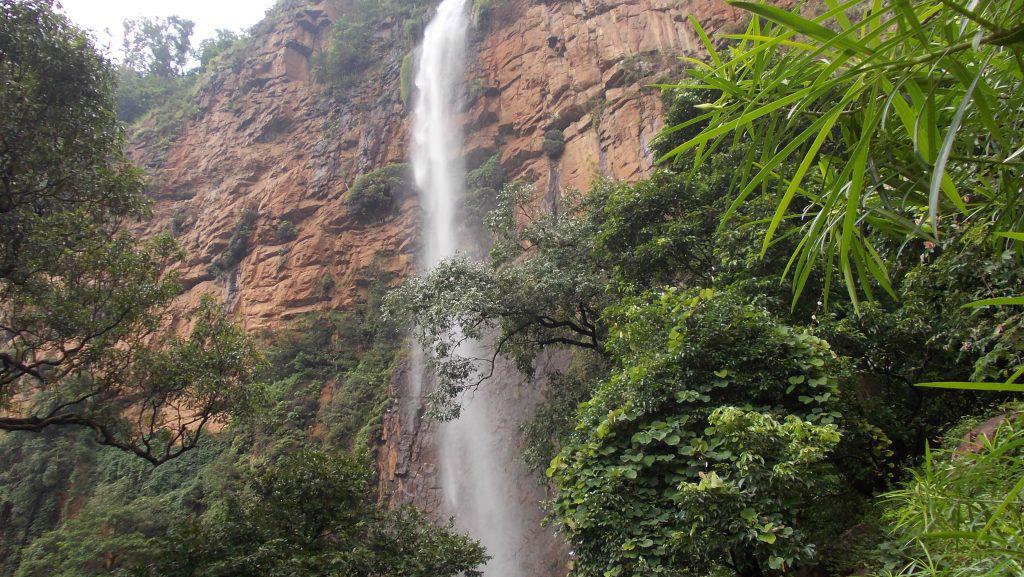 Khandadhar-waterfall-Keonjhar